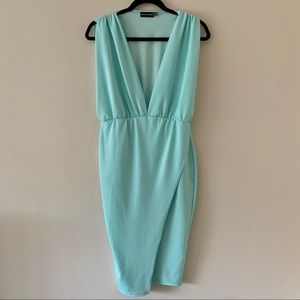 Pretty Little Thing Mint Ruched Midi Dress / Sz 8